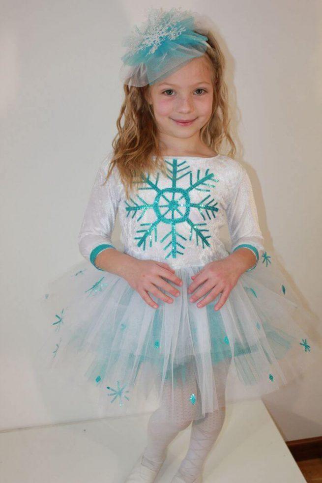 Голуба сніжинка
